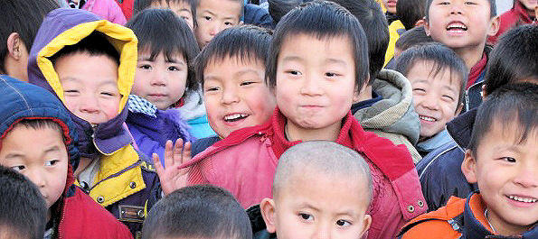 Smiling faces at the Xiangyang Xiwang School