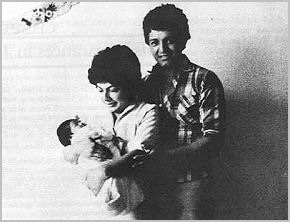 Fernando García with his wife and their daughter Alejandra.