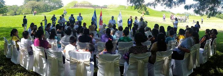 Discusión de Derechos Indígenas en El Salvador.