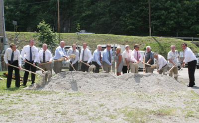 Groundbreaking for Ferus Corp's new liquid nitrogenfacility (photo: office of Governor Steve Beshear)