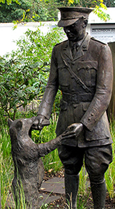 London Zoo - Statue of Winnie the Pooh and Lieutenant Harry Colebourn